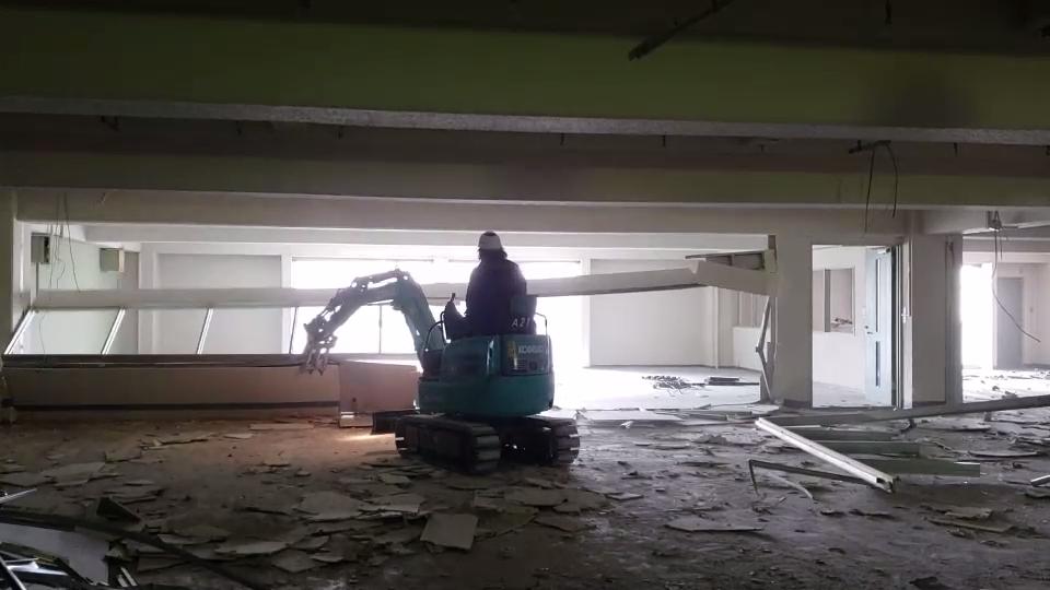 解体工事 福岡 解体 斫り テナント解体79